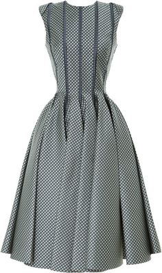 Creating curves: Sleeveless Paneled Jacquard Dress by Thom Browne - Moda Operandi Vestidos Vintage, Vintage Dresses, Vintage Outfits, Vintage Fashion, Full Skirt Dress, Dress Skirt, Dress Up, Pleated Skirt, Pretty Dresses