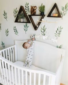 Baby Boy Nursery Room İdeas 677228862695562623 - Adorable nature and woodland inspired nursery, with bears and pine tree creek print pajamas Source by clothandkinshop Baby Room Boy, Baby Bedroom, Kids Bedroom, Baby Rooms, Baby Room Decor For Boys, Boy Nursey, Baby Bedding, Baby Room Design, Nursery Design