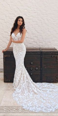 Wedding Dress sweetheart wedding dresses mermaid lace spaghetti straps sleeveless enzoani - Brides all over the world want to look romantic and charming. To create such a look will help you sweetheart wedding dresses. Wedding Dress Mermaid Lace, Mermaid Bridesmaid Dresses, Sweetheart Wedding Dress, Mermaid Dresses, Mermaid Sweetheart, Dress Lace, Strapless Lace Wedding Dress, Wedding Skirt, Applique Wedding Dress