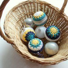 ergahandmade: Crochet Christmas balls + Free Pattern Step By Step