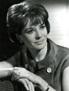 Thirty Inspiration: Barbara Walters during her 30's.