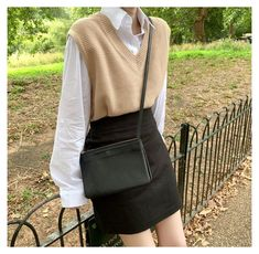 Korean Outfits, Mode Outfits, Outfits For Teens, Fall Outfits, Fashion Outfits, Fashion Pants, Winter Vest Outfits, Vest Outfits For Women, Fashion Ideas