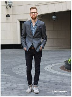 Love love love this street style photo taken by @Très Awesome - way to work it!
