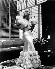 Carole Lombard, 1930s  viatheclutteredclassicattic