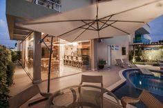 Varandas, marquises e terraços modernos por Heloisa Titan Arquitetura