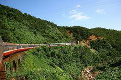 Do you watch Hai Van Pass from train ?    #haivanpass #huetourfromdanang #Vietnamholidays #vietnamholidaypackages #Vietnamtravel #vietnamamazing