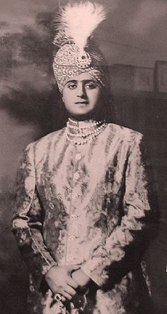 the nawab of junagadh Duleep Singh, Carnival Girl, Indiana, Vintage India, Handsome Prince, Blue Bloods, Ancient Jewelry, Asian Art, Old Photos