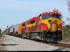 RailPictures.Net Photo: FEC 817 Florida East Coast Railroad (FEC) EMD SD40-2 at Bunnell, Florida by Bob Pickering (BP)