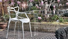Are you ready for summer? Have a special one with Kartell, pictured with the invisible side table. Bentwood Chairs, Dining Chairs, Chair Design, Furniture Design, Masters Chair, Bespoke Sofas, Eiffel Chair, Red Dot Design, Philippe Starck