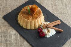 Il gelo di cannella è un dolce al cucchiaio tipico della cucina siciliana, si tratta di un budino aromatizzato alla cannella, ecco la ricetta di Agrodolce.