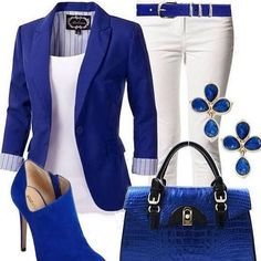 Cobalt royal blue blazer and white outfit Mode Outfits, Chic Outfits, Fashion Outfits, Womens Fashion, Fashion Trends, Fasion, Fashion Heels, Trending Fashion, Fall Outfits