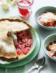 Sugar-crusted rhubarb and apple pie