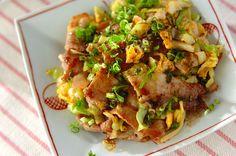 カリカリに炒めた豚バラ肉がポイント! お好みの野菜を使ってもOKです!