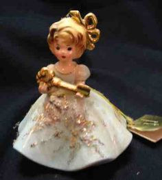 Older Josef Originals Porcelain The New Home Figurine