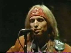 Tom Petty &The Heartbreakers ~ I Won't Back Down  ~ 1991~ love this song!