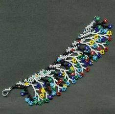 Поляна Beading Projects, Beading Tutorials, Beading Patterns, Seed Bead Earrings, Beaded Earrings, Beaded Bracelets, Handmade Beaded Jewelry, Bead Jewellery, Bead Art