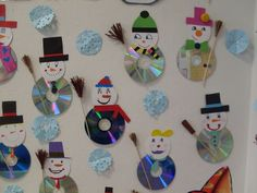 This Pin was discovered by Yas Christmas Ornament Crafts, Snowman Crafts, Christmas Crafts For Kids, Felt Ornaments, Winter Christmas, Diy Crafts With Cds, Kids Crafts, Preschool Crafts, Navidad Diy
