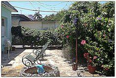 Patio posterior. Cienfuegos, Sidewalk, Villa, Patio, Side Walkway, Walkway, Fork, Villas, Walkways