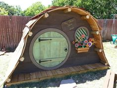Hobbit house Hobbit Playhouse, Build A Playhouse, Playhouse Outdoor, Cubby Houses, Dog Houses, Play Houses, Kids Shed, Gnome House, Fairy Garden Houses
