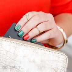 Sahara Nights wrap :)Link in bio!! #beauty #canada #fashion #giftcertificates #facebook #hairandmakeup #instagood #jamberry #makeup #nails #nailart #nailpolish #pedicure #manicure #stylist #salon #usa #wraps #nailwraps