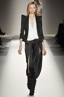 Balmain Fall 2009 Ready-to-Wear Collection - Vogue Fashion Pants, Look Fashion, Runway Fashion, High Fashion, Fashion Show, Womens Fashion, Fashion Design, Fashion Trends, Rock Chick Style
