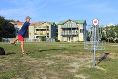 Show off your skills at the Orange Beach disk golf course right on the water!  #OrangeBeach #DiskGolf