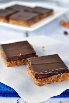 Chocolate Hazelnut Almond Butter Bars. Grain-free, dairy-free |www.flavourandsavour.com