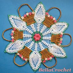 Baskets and pineapples thread #crochet doily free pattern from BellaCrochet