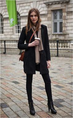 london street style winter - Minus the boots London Fashion Weeks, Image Fashion, Look Fashion, Fall Fashion, Classic Fashion, Fashion Images, Diy Fashion, Street Fashion, Trendy Fashion