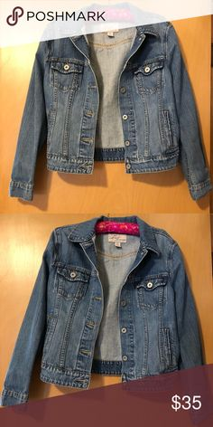 Levi's Jean Jacket Size M (could be worn as a small). Great condition and from the Levi store. Levi's Jackets & Coats Jean Jackets