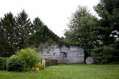 http://freecabinporn.com/post/31997112778/barn-on-liberty-view-farm-in-highland-ny