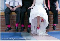 Photo des mariés et témoins au niveau des chaussures!