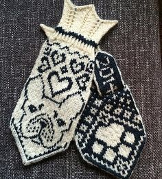 Ravelry: Ethel (French bulldog mittens) pattern by JennyPenny