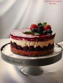 Ce si cum mai gatim: Cheesecake cu mure Cookie Recipes, Dessert Recipes, Desserts, Torte Cake, Romanian Food, Sweets Cake, Food Cakes, Healthy Sweets, Something Sweet