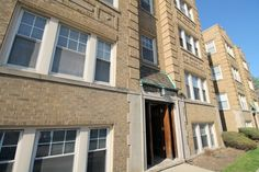 Closed July 28, 2015.  1 Bedroom Vintage Condo Oak Park, IL by Linda Rooney of the Pych Team, Re/Max in the Village.