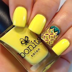Pineapple Nails by Instagrammer @drsuuz