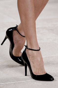 Ralph Lauren Spring 2013 Ready-to-Wear Collection Photos - Vogue Crazy Shoes  a65a1b554