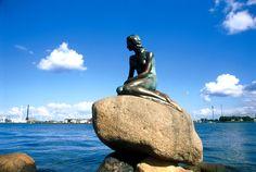 De kleine Zeemeermin bestaat toch écht! #Kopenhagen #rondreis #Denemarken Beautiful Places In The World, Amazing Places, Places Ive Been, Places To Go, Nordic Living, Maybe Someday, Legoland, Ariel, Finland
