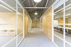 Una nave industrial y materiales ecólogicos, bases de las nuevas oficinas Cacaolat diseñadas por Pilar Libano y Jaume Pons