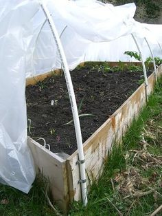 Make a Hoophouse on a Raised Bed Easy and inexpensive hoop house instructions to protect your tender plants.Easy and inexpensive hoop house instructions to protect your tender plants. Outdoor Greenhouse, Small Greenhouse, Greenhouse Plans, Homemade Greenhouse, Portable Greenhouse, Organic Vegetables, Growing Vegetables, Garden Netting, Raised Bed Garden Design