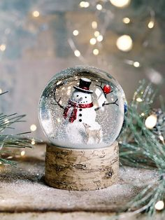 Christmas Accessories, Indoor & Outdoor Christmas Home Accessories for Sale UK Schneemann im Schneegestöber. Christmas Snow Globes, Christmas Mood, Noel Christmas, Outdoor Christmas, Christmas Design, All Things Christmas, Xmas, White Christmas Snow, Snowman Snow Globe