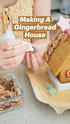 Christmas Deco, Christmas Treats, Christmas Recipes, Merry Christmas, Christmas Entertaining, Christmas Cooking, Xmas Ideas, Gift Ideas, Make A Gingerbread House