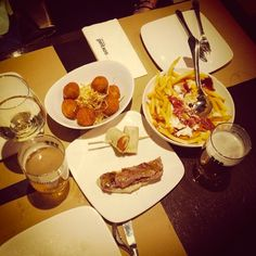 Qué buena cena compartió anaalvarez90 con sus amigas. Y también con nosotros en Instagram