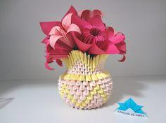 Origami 3D - Vaso de flor com lírios e sakuras Origami 3d, Samurai, Vase, Mini, Fun Crafts, Decor, Paper Vase, Paper Folding, Calla Lilies