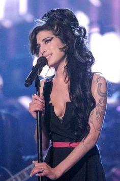 Amy Winehouse in concert in Asif Kapadia's documentary.
