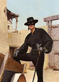 Zorro - Guy Williams was born to be El Zorro and Don Diego!