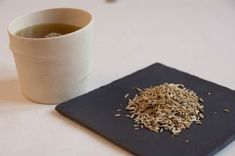 L'huile essentielle de Coriandre - Brûlures d'estomac : nos remèdes naturels ultra-efficaces - Digestion Difficile, Camomille Romaine, Carbonate De Calcium, Keto, Sport, Fennel, Natural Remedies, Deporte, Sports