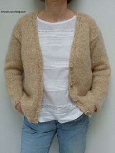 A cozy jacket for chilly mornings, we love it! Mine is made of Phil Light from Phildar acrylic, … Source by Wool Vest, Knit Jacket, Knit Cardigan, Angora, Cute Socks, Pullover, Knitwear, Knit Crochet, Sweaters For Women