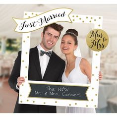 This Giant Customizable Wedding Photo Frame Kit includes 14 cutouts to add fun sayings to the frame. Capture memories at your wedding party, engagement party, or bridal shower with this frame! Wedding Photography Checklist, Professional Wedding Photography, Wedding Photography Poses, Photography Tips, Professional Photographer, Digital Photography, Photography Studios, Photography Marketing, Photography Equipment