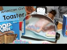 This a DIY American Girl Toaster. What a cool kitchen accessory for your American Girl Doll House. American Girl Food, American Girl Crafts, American Girl Clothes, Doll Crafts, Diy Doll, Ag Doll House, Girls Dollhouse, Doll Food, Girl Dolls